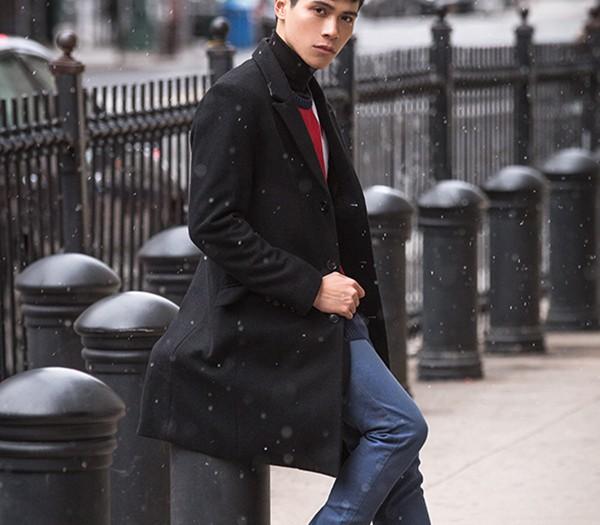 Brooklyn Bridge Winter Fashion